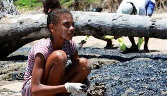 Manchas de óleo causam preocupação com impactos no meio ambiente